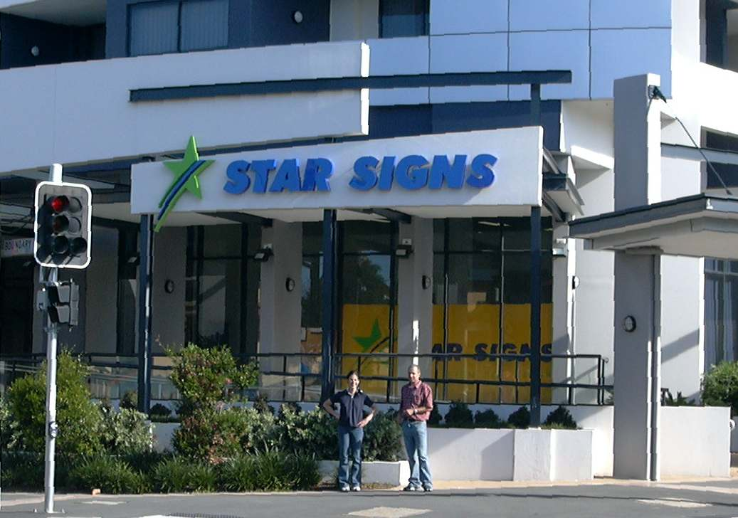 STAR SIGNS SHOP FRONT